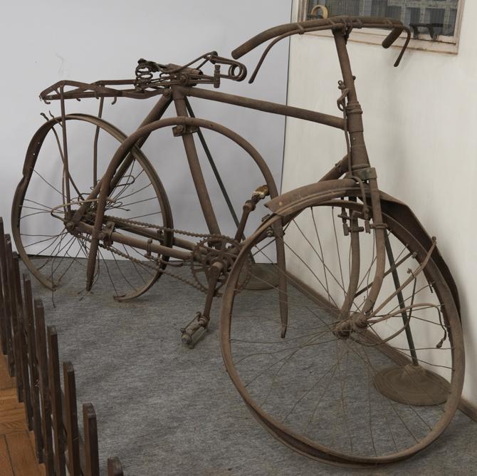 自転車の焼骸
