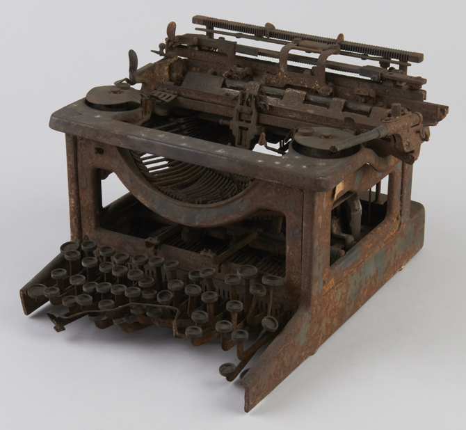 タイプライターの焼け残り