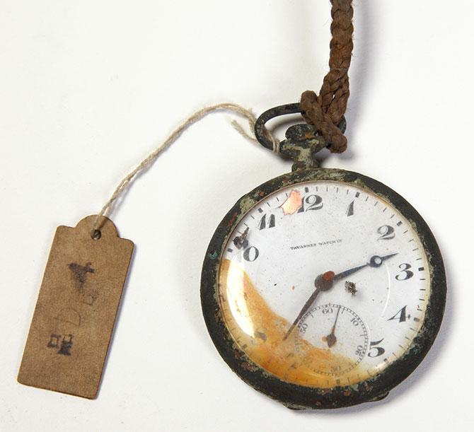 戦災にあった時計(1)